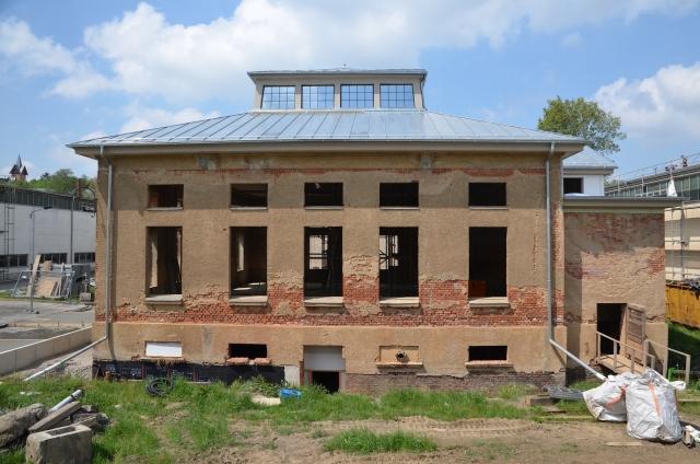 Bild vom alten Industriepavillon in der Elsteraue in Plauen