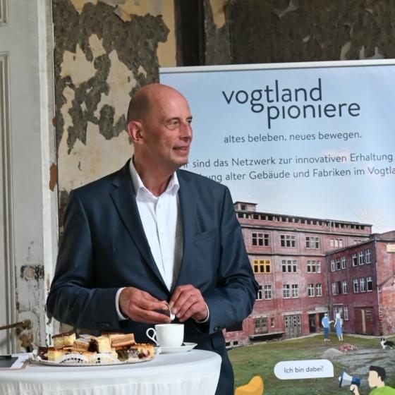 Wirtschaftsminister Tiefensee informiert sich über die Pläne für unser Transferzentrum in Greiz